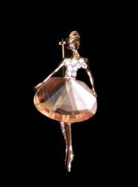Брошь-танцовщица